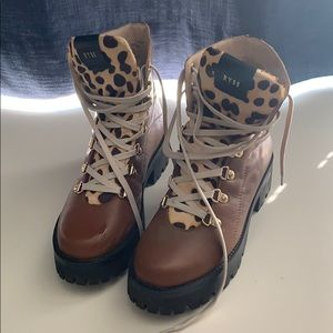 Steve Madden hiking style boot w/leopard!